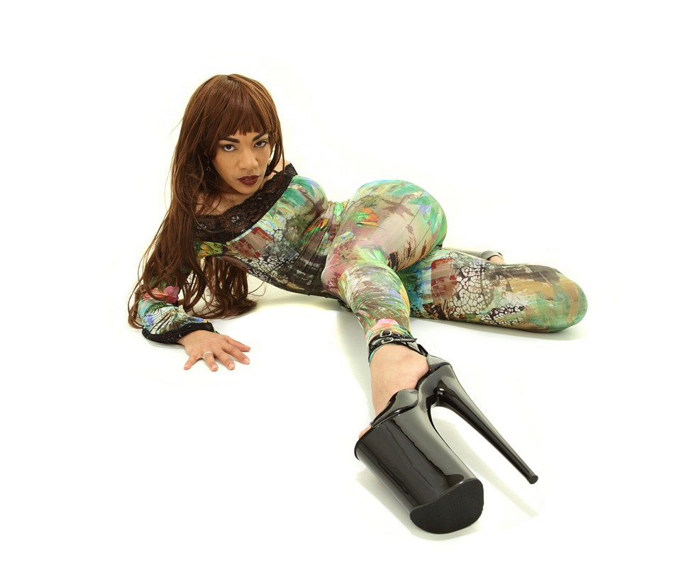 High heels on SMDOME