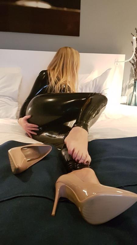 Mistress Lynn Cane