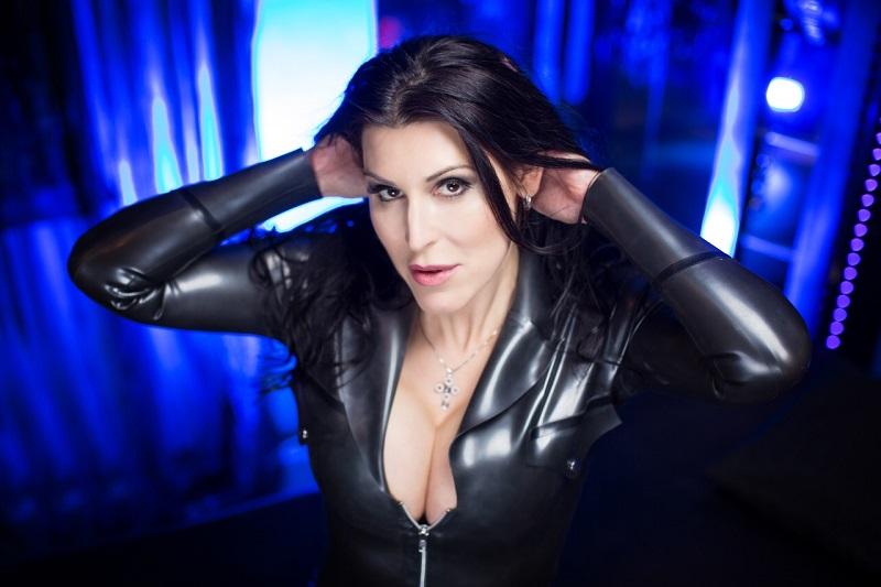 Kinky videoclips - Meesteres Verena