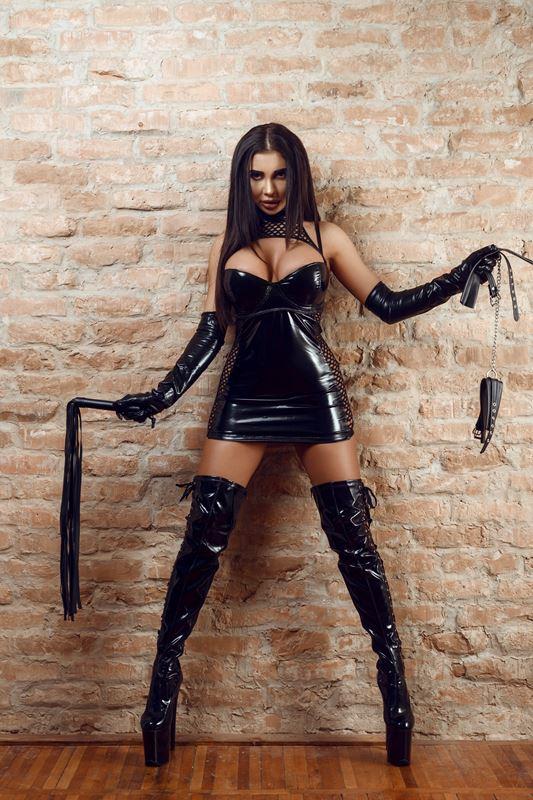 Kinky Selena